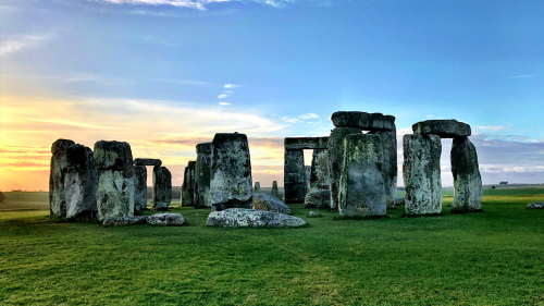 stonehenge at solstices